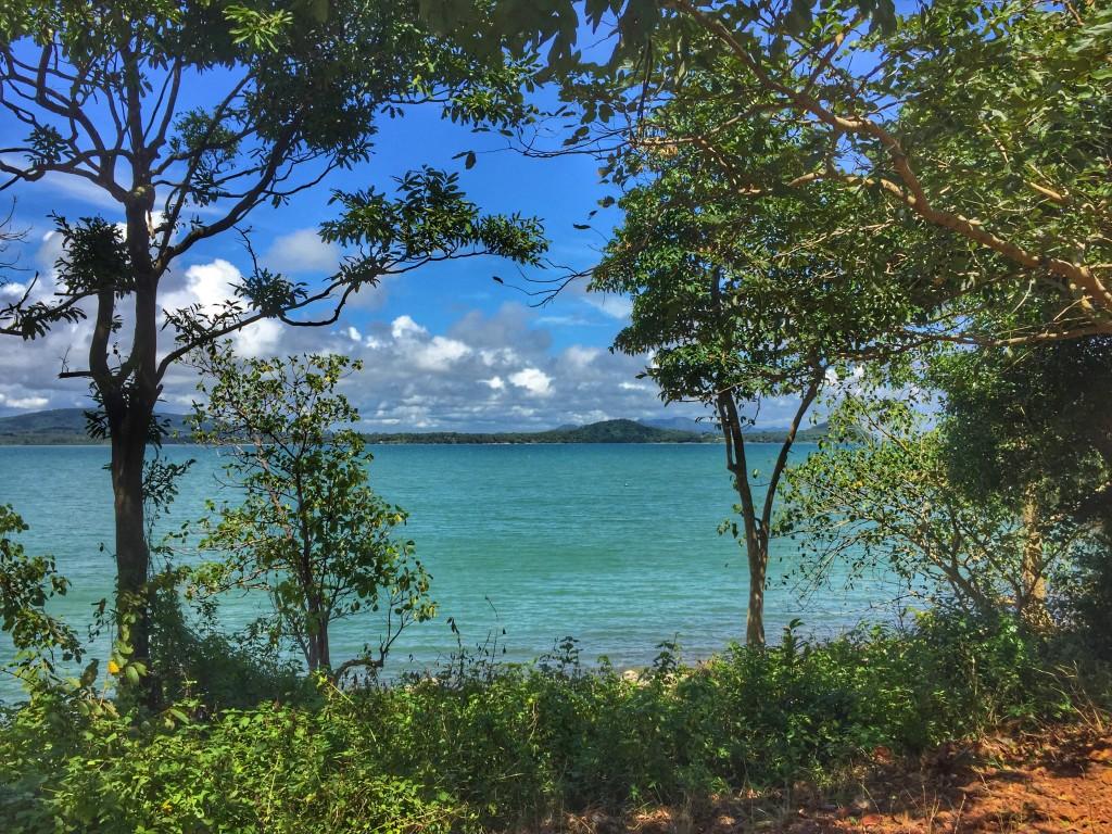 Bucht Meer Bäume Wolken Chumphon Thailand