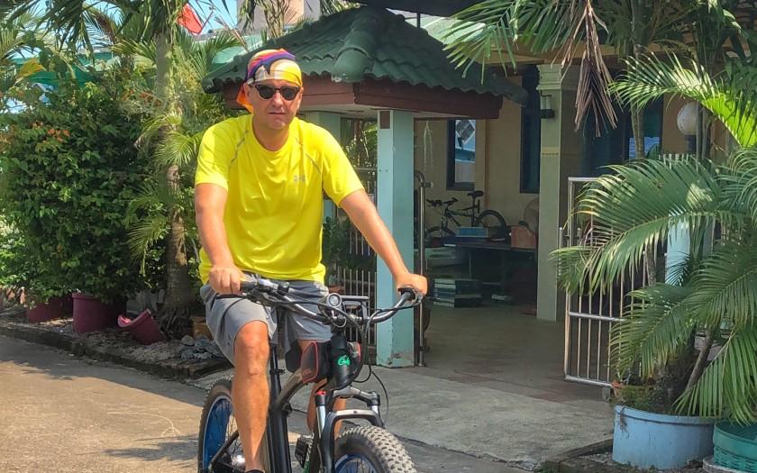 Leben in Thailand, Matt auf dem Fahrrad in Chumphon