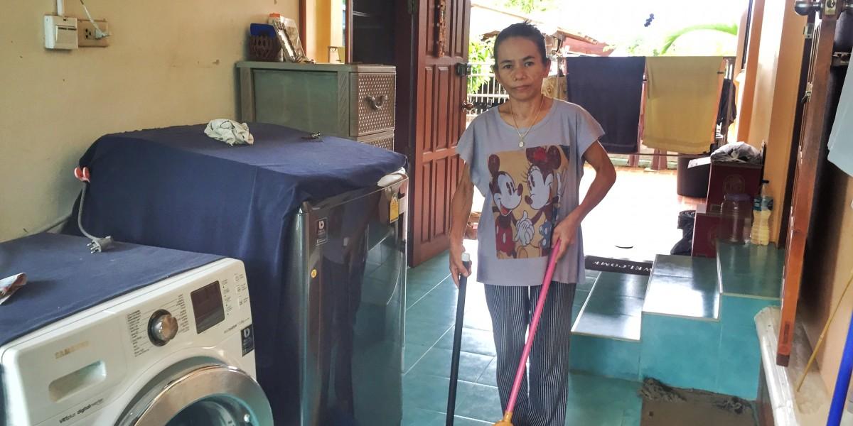 Haushälterin in Thailand bekommt Mindestlohn und kann davon leben
