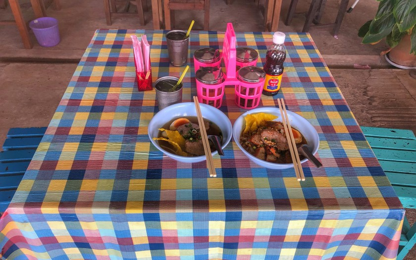 2 Nudelsuppen mit Gewürzkranz Chumphon Thailand