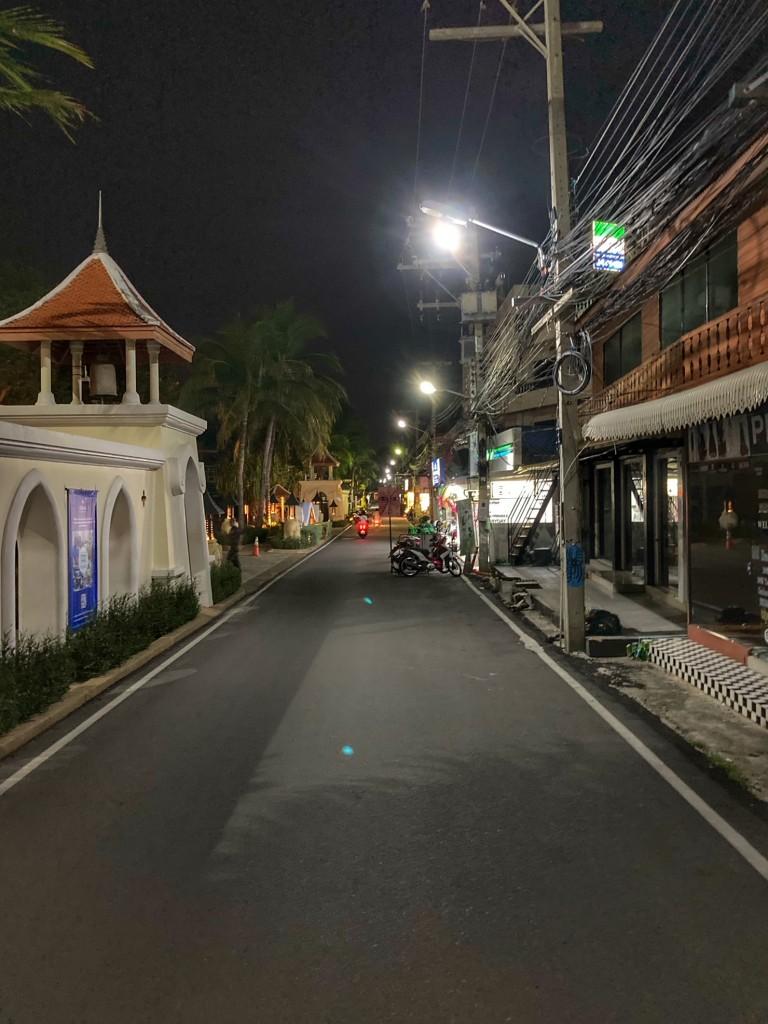 Hua Hin Straße am Hilton entlang