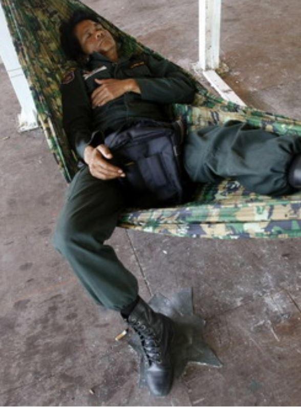 Soldat Hängematte Thailand