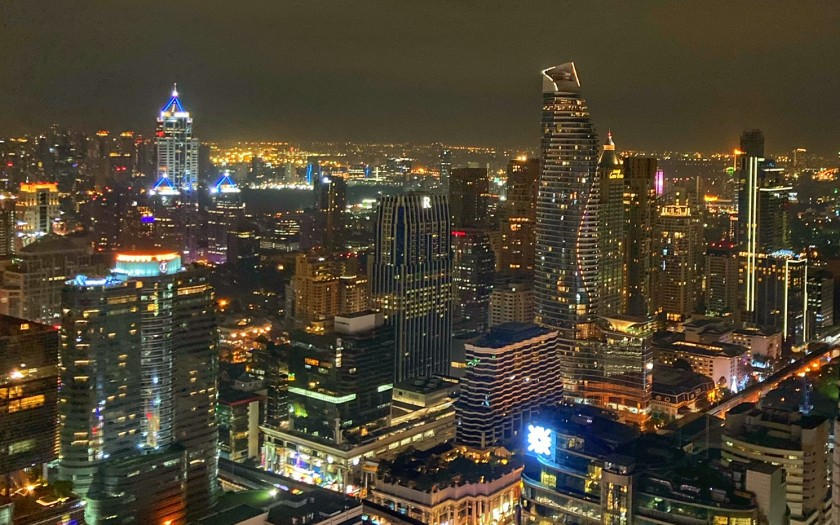 Bangkok Red Sky Bar nachts