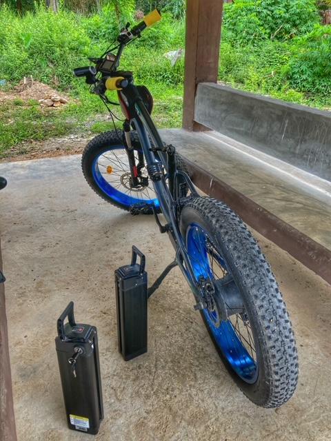 Batteriewechsel Fahrradtour Chumphon Ranong