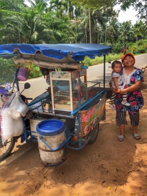 Soloselbständig mobile Garküche Chumphon Thailand