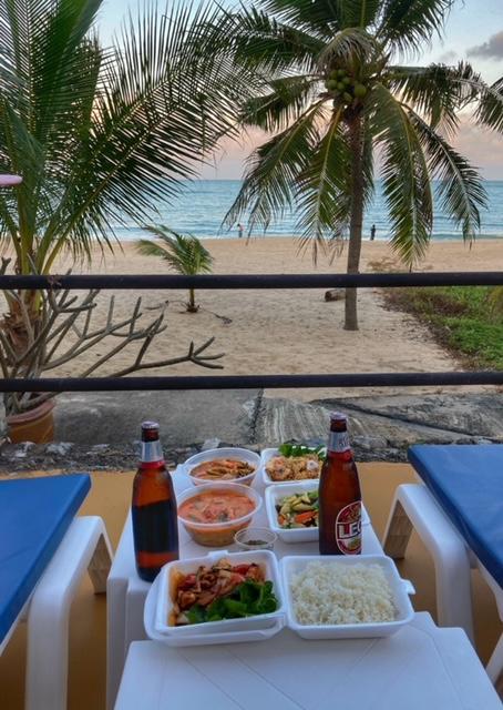 Lieferung zum Strand Khanom Thailand