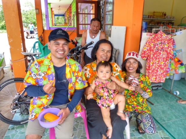 April Sommer Songkran Thailand 6
