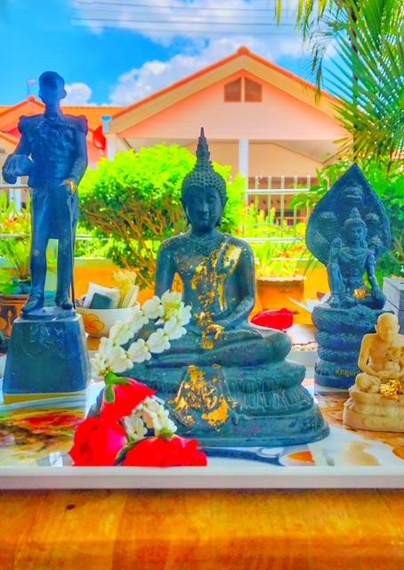Songkran 2021 Chumphon Thailand spontan am Haus 2
