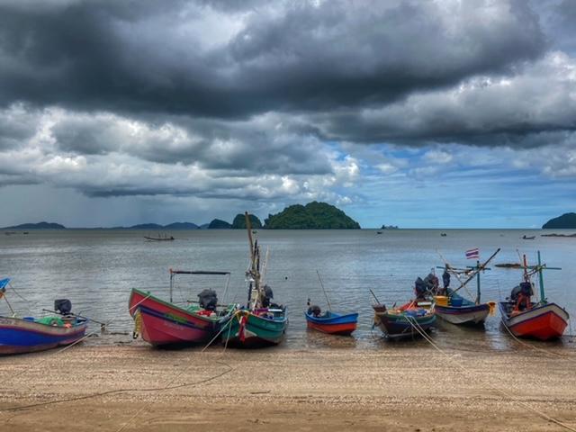 Fischerboote, Meer und keine Touristen