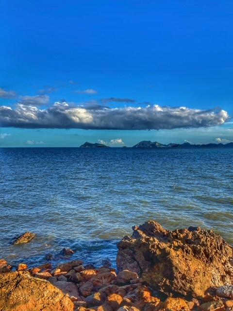 Das Meer und Insel in Chumphon Pak Naam