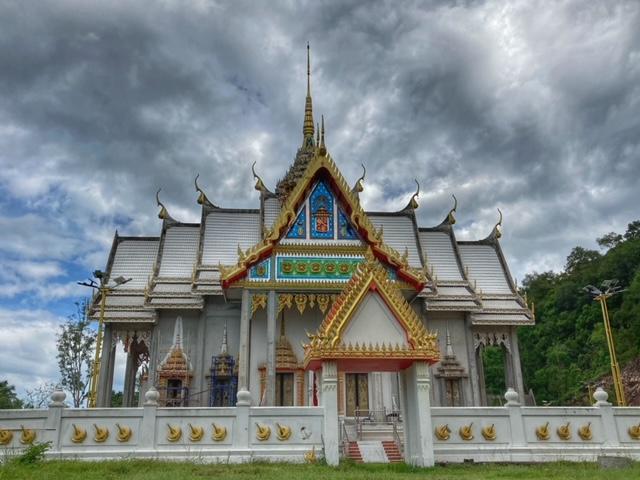 schöner fast fertiges Tempelgebäude