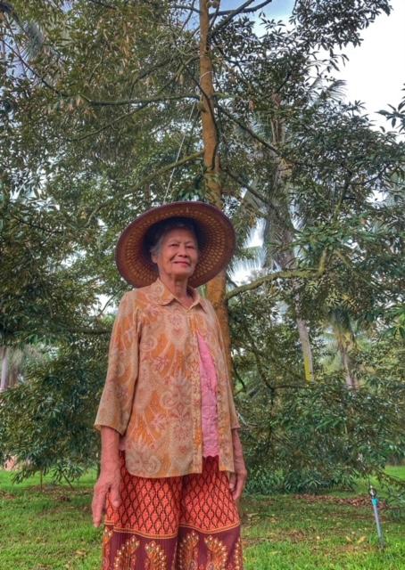 Durianplantage Eigentümerin in Pak Naam Chumphon